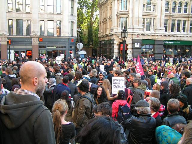 Crowd at St Paul's